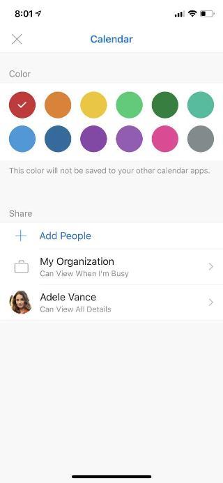 """Muestra una pantalla de dispositivo móvil con """"Calendario"""" en la parte superior. Debajo de la sección """"Compartir"""", hay varias opciones y el nombre de una persona que se agregó."""