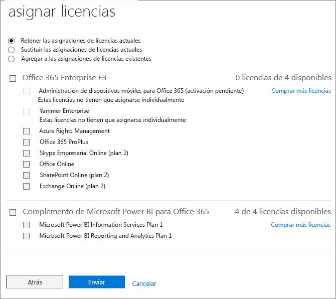 Captura de pantalla de la página Asignar licencias que se muestra al agregar o reemplazar las licencias de varios usuarios al mismo tiempo.