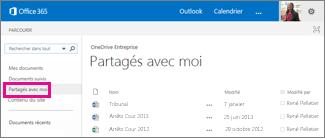 Capture d'écran des documents que d'autres utilisateurs ont partagés avec vous, qui sont répertoriés dans l'affichage Partagés avec moi dans OneDrive Entreprise.