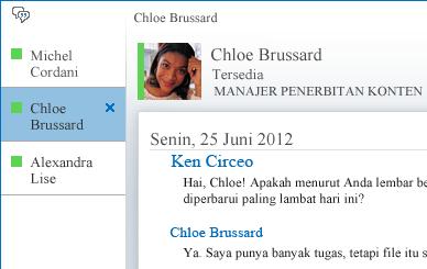 Cuplikan layar menampilkan percakapan bertab
