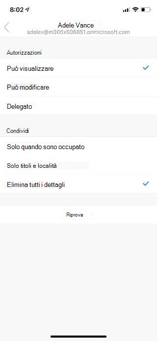 Mostra la schermata di un dispositivo mobile con il nome di una persona nella parte superiore e le opzioni di autorizzazione e di condivisione mostrate sotto.