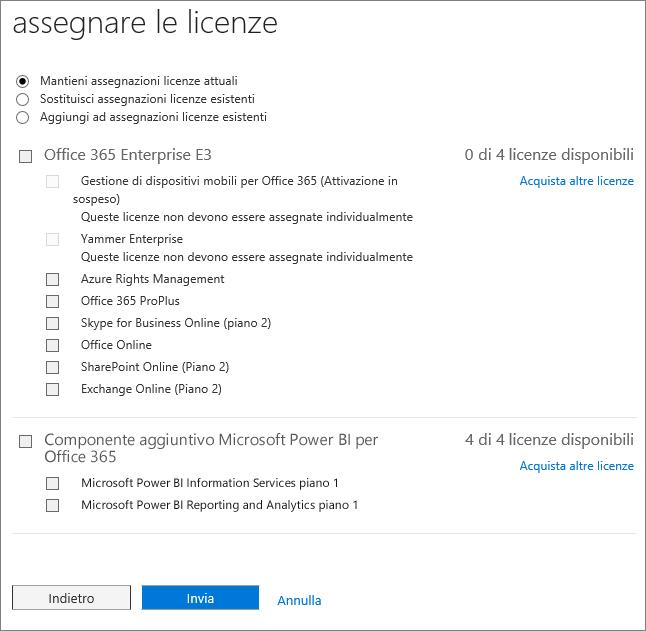 Screenshot della pagina di assegnazione delle licenze che viene visualizzata quando si aggiungono o si sostituiscono licenze per più utenti contemporaneamente.