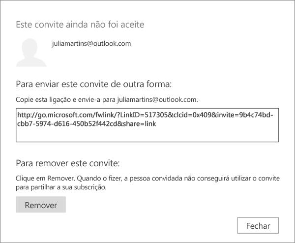 Captura de ecrã da caixa de diálogo de um convite pendente com uma ligação para enviar através de e-mail e um botão para remover o convite.